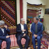 معاون رئیس جمهوری از غرفه کهگیلویه و بویرا حمد در نمایشگاه گردشگری تهران بازدید کرد