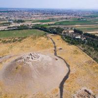 تپه اُزبکی؛ سرزمین کهن خشت جهان/کشف راز تدفین گور خمرهایها