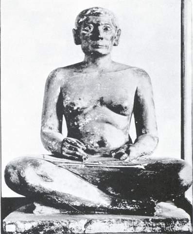 مرد منشی، موزه لوور، پاریس؛ عکس از موزه هنری مترپلیتن، نیویورک