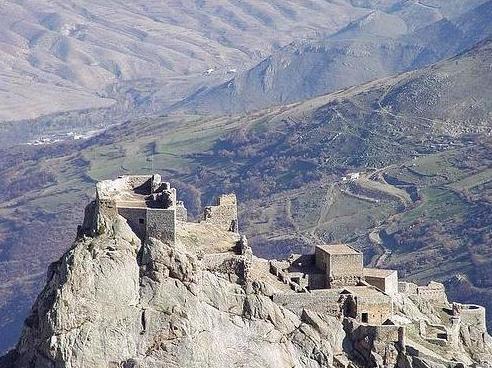 قلعه بابک خرم دین در آذربایجان